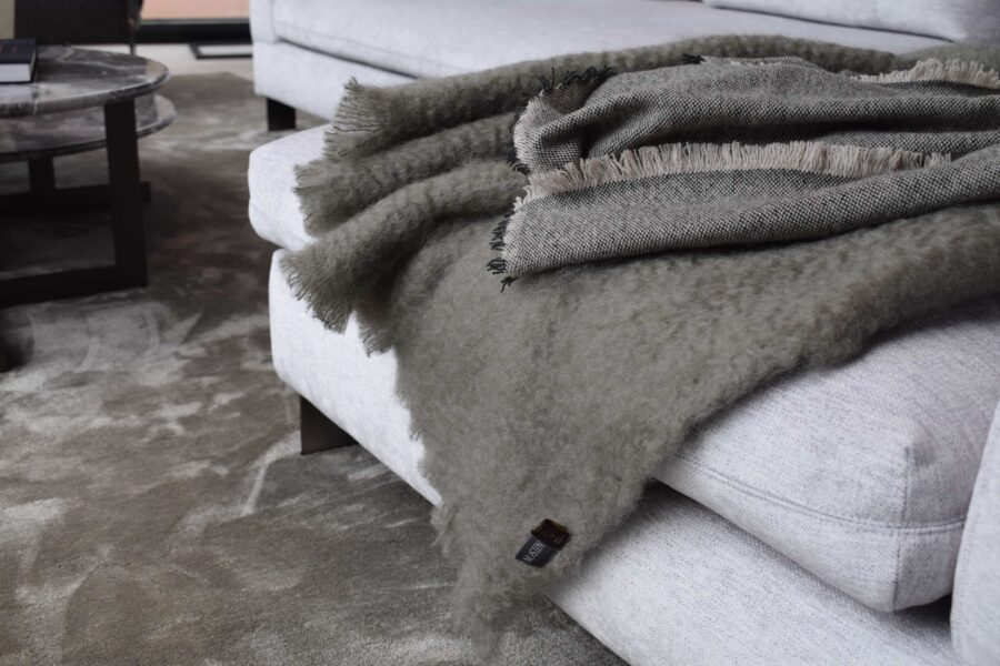 Nilson beds plaid mohair moss